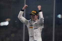 Race 1 Winnaar Stoffel Vandoorne, ART Grand Prix