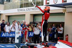 2015 şampiyonu Esteban Ocon, ART Grand Prix