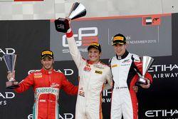 Podyum: Kazanan Alex Palou, Campos Racing, ikinci Antonio Fuoco, Carlin, üçüncü Esteban Ocon, ART Gr