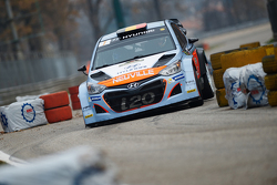 Thierry Neuville and Julien Vial, Hyundai i21