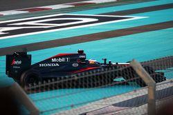 费尔南多·阿隆索,迈凯伦MP4-30,发车发生碰撞滑出赛道