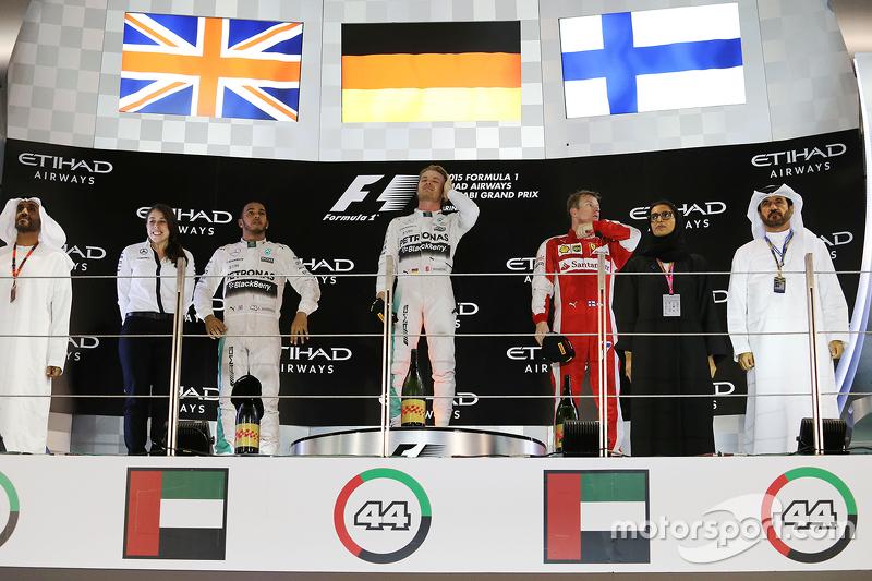 领奖台:冠军尼科·罗斯伯格,梅赛德斯车队;亚军刘易斯·汉密尔顿,梅赛德斯车队;季军基米·莱科宁,法拉利车队