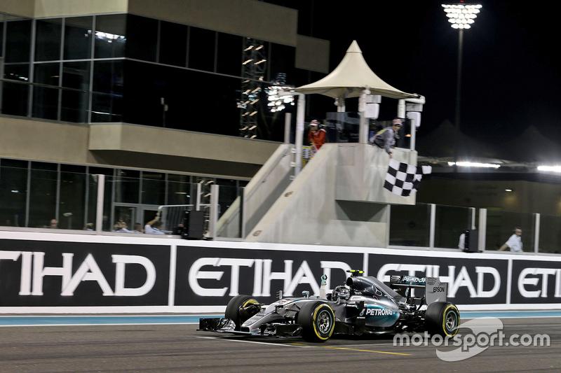 Lewis champion, Nico vainqueur