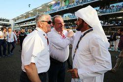 Derek Warwick, FIA Steward, sulla griglia