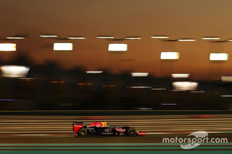 2015 год. За рулем болида Red Bull RB11 по ходу гонки