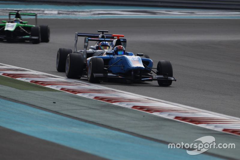 Ralph Boschung, Jenzer Motorsport leads Matevos Isaakyan, Koiranen GP