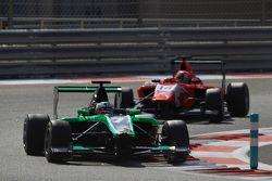 Seb Morris, Status Grand Prix leads Kevin Ceccon, Arden International