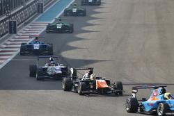 Artur Janosz, Trident leads Matevos Isaakyan, Koiranen GP