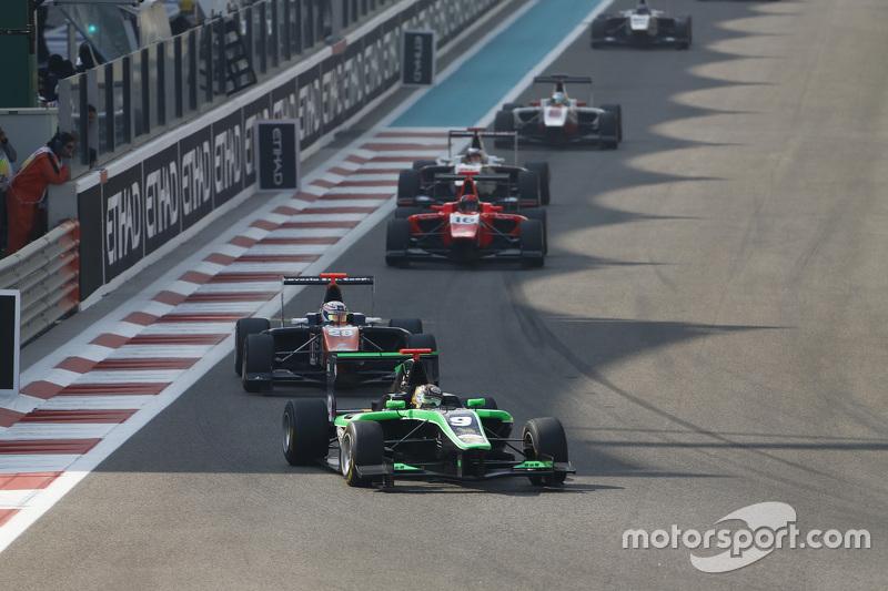 Sandy Stuvik, Status Grand Prix leads Michele Beretta, Trident