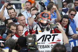 Race 2 derde plaats en 2015 GP3 kampioen Esteban Ocon, ART Grand Prix