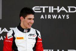 Le troisième, et Champion GP3 2015, Esteban Ocon, ART Grand Prix