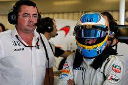 Eric Boullier et Fernando Alonso, McLaren MP4-30