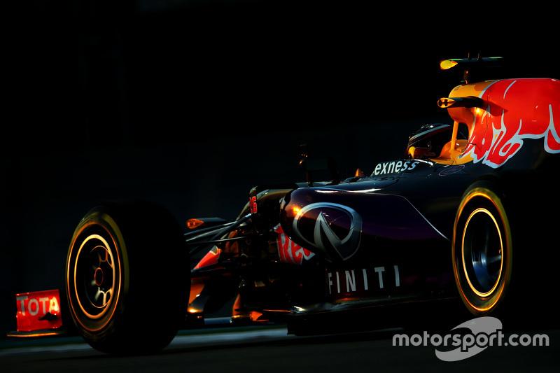 2015 год. За рулем болида Red Bull RB11 на пятничных тренировках