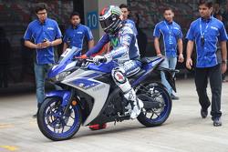Хорхе Лоренсо, Yamaha Factory Racing и мотоцикл Yamaha YZF-R3
