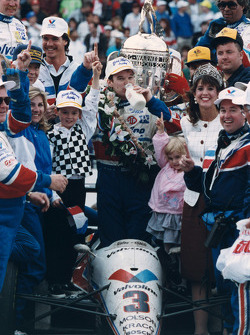 Race winner Al Unser Jr.