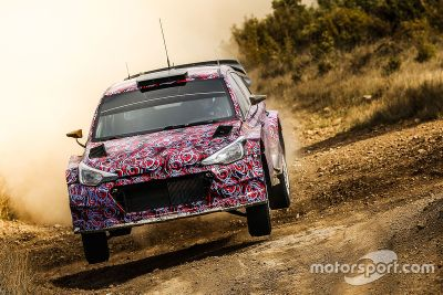 Hyundai i20 WRC 2016, test sull sterrato