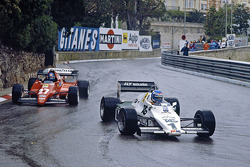 Keke Rosberg, Williams lidera a Patrick Tambay, Ferrari