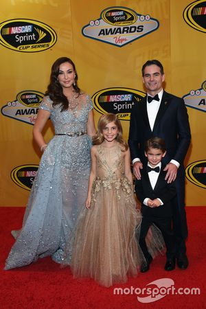 Jeff Gordon, Hendrick Motorsports Chevrolet with wife Ingrid, daughter Ella and son Leo
