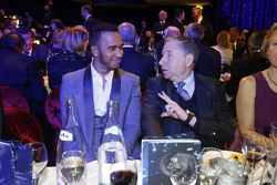 Lewis Hamilton, Mercedes AMG F1, con Jean Todt, Presidente de la FIA