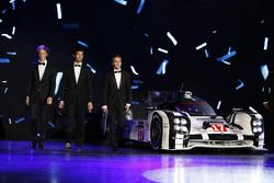 Mark Webber, Brendon Hartley, Timo Bernhard, Porsche Team, campeones del Mundial de Resistencia