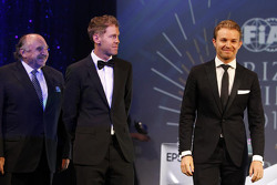 Sebastian Vettel, Scuderia Ferrari con Nico Rosberg, Mercedes AMG F1