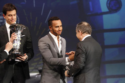 Lewis Hamilton, Mercedes AMG F1, Toto Wolff, Mercedes AMG F1 Accionista y Director Ejecutivo y el Pr