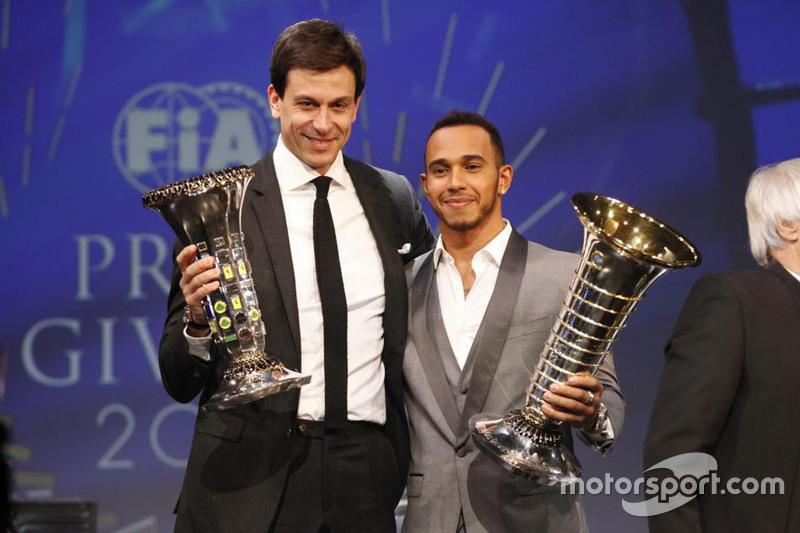 Toto Wolff e Lewis Hamilton