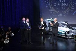 Sebastian Vettel, Scuderia Ferrari mit Nico Rosberg, Mercedes AMG F1