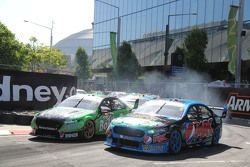 Mark Winterbottom, Prodrive Racing Australia, Ford; David Reynolds, Rod Nash Racing, Ford