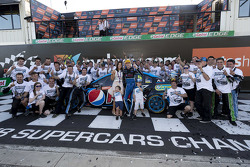 2015 V8 Supercars Champion Mark Winterbottom, Prodrive Racing Australia Ford celebrates with his team