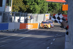 Winner Shane van Gisbergen, Tekno Autosports Holden