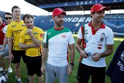 Tiago Monteiro, Honda JAS Yarış Takımı Honda Civic WTCC ve Mehdi Bennani, Sébastien Loeb Racing