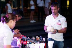François Ribeiro, Eurosport Events Motorsport Director con Ma Qing Hua, Citroën World Touring Car team