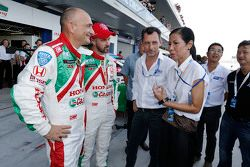 Kobkarn Wattanavrankul, Ministry of Tourism and sports with Gabriele Tarquini, Honda Racing Team JAS