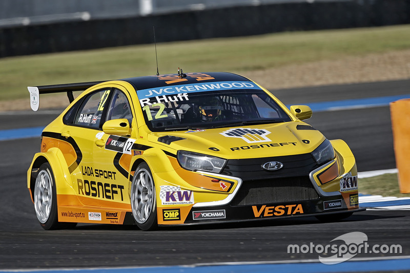 rob huff lada vesta wtcc lada sport rosneft bei buriram. Black Bedroom Furniture Sets. Home Design Ideas
