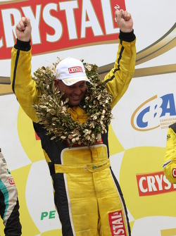 Leandro Totti comemora seu terceiro título na Fórmula Truck