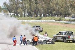 El auto incendiado de Mauro Giallombardo