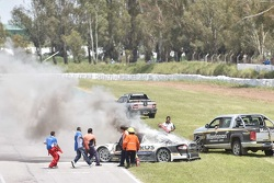 Das brennende Auto von Mauro Giallombardo