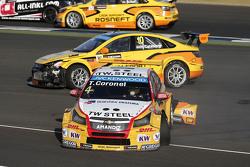Tom Coronel, Chevrolet RML Cruze TC1, ROAL Motorsport and Nicky Catsburg, Lada Vesta WTCC, Lada Sport Rosneft crash