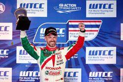 Race 2 podium: winner Tiago Monteiro, Honda Racing Team JAS