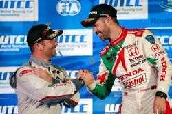 Gara 2 podio: winner Tiago Monteiro, Honda Racing Team JAS and Sébastien Loeb, Citroën World Touring