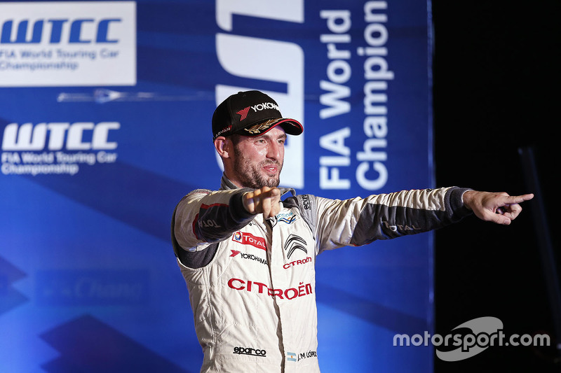 Podium: Jose Maria Lopez, Citroën World Touring Car team