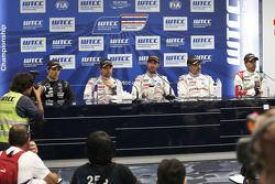 Pressekonferenz: Tin Sritrai, Campos Racing; Sébastien Loeb, Citroën World Touring Car Team; Jose M