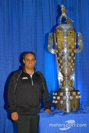 Le vainqueur des 500 miles d'Indianapolis 2015 Juan Pablo Montoya, Team Penske