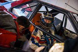 Nissan driver prepares to lap Fuji
