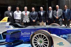 La F.E nella sede dell'Automovil Club del Uruguay