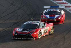 السيارة رقم 11 كيسيل ريسينغ فيراري 458 إيطاليا: دايفيد ريغون، أندريا بيسيني، مايكل برونيزيوسكي