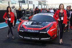 #11 Kessel Racing, Ferrari 458 Italia: Davide Rigon, Andrea Piccini, Michael Broniszewski