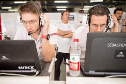 Ambiance in the Citroën World Touring Car team garage