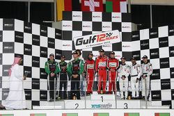 Подиум: победители, Ferrari 458 Italia команды Kessel Racing: Давиде Ригон, Андреа Пиччини, Михал Бр